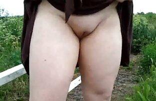 Mia Austin lamió en la webcam en uniforme xxx hard gay escolar
